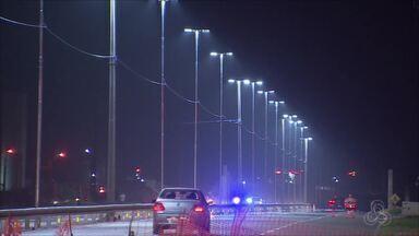 Dnit faz teste de iluminação na BR-210 na Zona Norte de Macapá - O Departamento Nacional de Infraestrutura e Transporte (DNIT) está realizando teste nesta na iluminação da BR-210. As luzes ficaram acesas de sete a oito e meia da noite. A iluminação ficará por definitivo a partir de março.