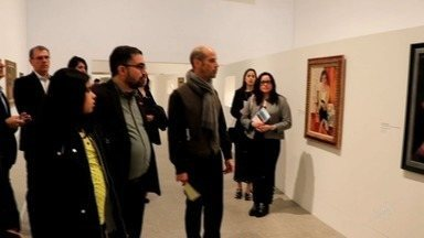 Professor e aluno da Unifor visitam a coleção Modernismo Brasileiro em Lisboa, Portugal - Obras de arte fazem parte de uma coleção da Fundação Edson Queiroz.