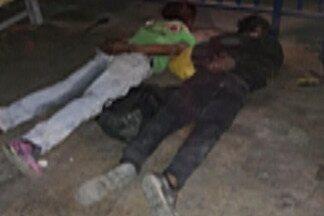GCM de Ferraz de Vasconcelos prende suspeitos de tentar assaltar supermercado - GCM foi acionada por uma testemunha que viu os suspeitos.