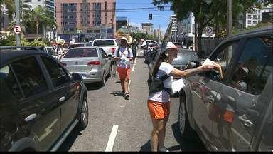 """JPB2JP: """"Verão numa Boa"""" começa com distribuição de sacolinhas para lixo - Evento da Rede Paraíba de Comunicação."""