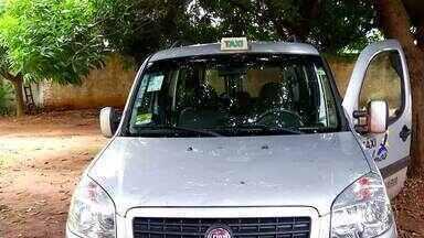 Taxista é amarrado por ladrões de carro que fingiram ser clientes em Palmas - Taxista é amarrado por ladrões de carro que fingiram ser clientes em Palmas