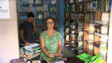 Feiras de livros didáticos usados são opção de economia - Feiras de livros didáticos usados são opção de economia.