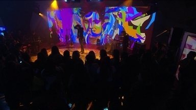 Luan Santana canta Acordando o prédio - Luan Santana canta Acordando o prédio
