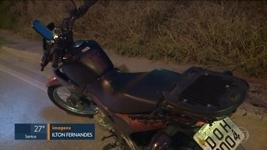 Motorista morre com corte no pescoço, na Zona Leste de São Paulo - Um motociclista morreu na Avenida Jacu-Pêssego, na Zona Leste. Uma linha de pipa com cerol cortou o pescoço dele. O caso está sendo investigado pela delegacia de São Mateus.