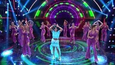 Gretchen canta seu clássico 'Freak Le Boom Boom' - Cantora leva a galera à loucura com sucesso