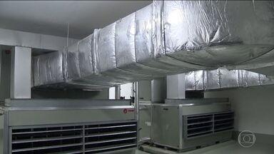 Limpeza de ar condicionado passa a ser obrigatória em prédios públicos - Se shoppings e outros lugares com grande circulação de pessoas não fizerem manutenção regularmente, agora terão que pagar multa.