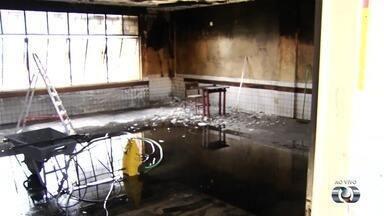 Ex-aluno confessa ter ateado fogo em sala de escola em Aparecida de Goiânia - Menino disse à diretora da instituição que está arrependido.