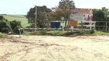 Jovem morre afogado em cachoeira na região de Ponta Grossa - Segundo o dono da cachoeira, o local é sinalizado.