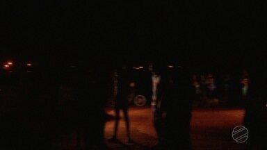 Moradores pagam por taxa de iluminação, mas ficam no escuro - Moradores pagam por taxa de iluminação, mas ficam no escuro
