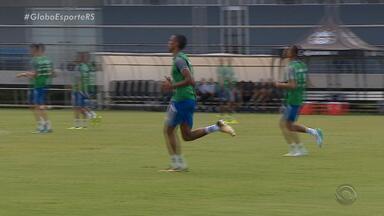Reforço do Grêmio em 2018, Madson faz primeiro treino com equipe do Gauchão - O grupo tricolor para o início do campeonato tem mais jogadores novos do que experientes.