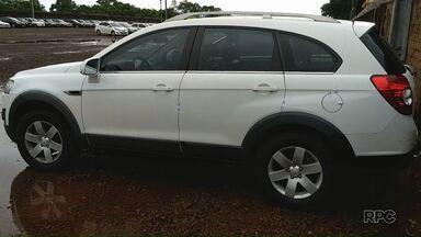 Carro com mais de trezentas multas é apreendido em Foz do Iguaçu - Segundo a Guarda Municipal, o veículo que tem placa da Argentina, acumula mais de cinquenta mil reais em infrações de trânsito.