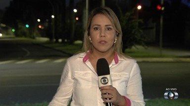 Força-tarefa recolhe pneus jogados em ruas da Grande Goiânia - Objetivo é diminuir os casos de dengue na capital.