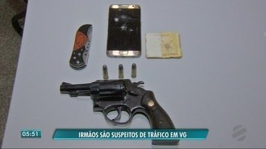 Irmãos são presos acusados de tráfico de drogas - Irmãos são presos acusados de tráfico de drogas