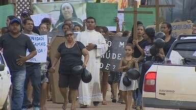Moradores protestam contra falta de médicos em policlínica de Porto Velho - O protesto ocorreu na zona Leste, da capital.