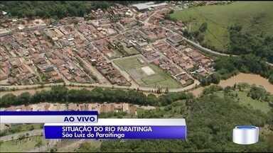 Duas famílias deixaram a casa nesta terça por causa da cheia do rio Paraitinga - Veja do alto a situação do rio nesta quarta em São Luiz do Paraitinga.