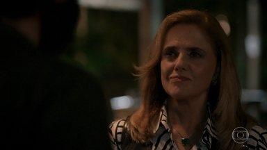 Sophia manda Rato atropelar Raquel - Ela avisa que pagará o que for necessário, mas diz que tudo deve parecer um acidente