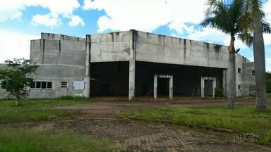 Obras inacabadas da UEM devem ser retomadas este ano - Mec libera R$ 32 milhões para obras e compra de novos equipamentos de universidades estaduais do Paraná.