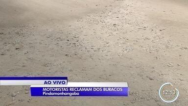 Motoristas reclamam de falta de manutenção de ruas em Pinda - Buracos estão cada vez maiores.