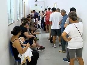 Pacientes formam filas para obter a vacinar contra a febre amarela - Movimentação é intensa em Presidente Prudente.