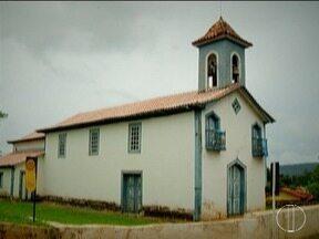 """A igreja de Couto Magalhães de Minas é a terceira a participar da série """"Rogai Por Nós"""" - A Matriz de Nossa Senhora da Conceição é tombada pelo IEPHA desde 1977."""