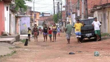 Moradores do Conj. Morada das Árvores ainda sofrem com falta de estrutura na região - AL TV nas Comunidades voltou ao local para mostrar que quase nada mudou.