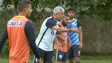 Por dentro do treino: Londrina viaja definido e apresenta mais um reforço para temporada - Técnico Ricardinho revela escalação para a partida contra o Foz do Iguaçu, e meia Rodrigo Figueiredo chega emprestado pelo Corinthians.