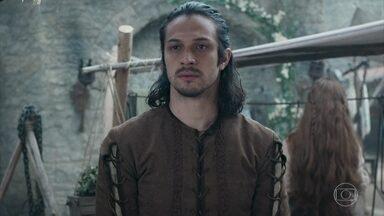 Afonso teme ser reconhecido por alguém de Montemor. - O príncipe começa a imaginar pessoas de Montemor na feira
