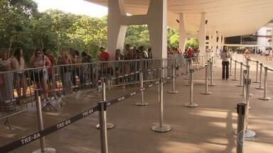Quase 800 mil eleitores de Salvador ainda não realizaram o recadastramento biométrico - Faltam 12 dias para o final do prazo e o TRE vai funcionar em regime especial no fim de semana.