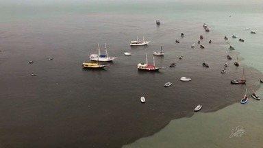 Praia do Mucuripe é coberta por mancha de poluição - Confira mais notícias em G1.globo.com/ce