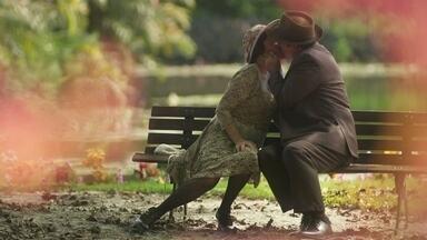 José Augusto se desculpa pelo beijo em Lucerne - Mas eles se beijam novamente