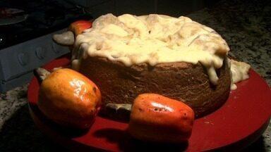 Confira uma deliciosa receita de bolo com cobertura de brigadeiro de caju - Cake designer, Beatriz Bachot, dá dicas de como preparar a iguaria.