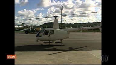 FAB investiga queda de helicóptero que prestava serviço à TV Globo no Recife (PE) - A aeronave caiu no mar, na manhã desta terça-feira (23). Duas pessoas morreram e uma terceira está internada em estado grave.