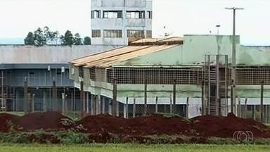 Justiça bloqueia quase R$ 130 mil de fundo penitenciário para construção de poço artesiano - Poço fica no presídio de Sarandi, em Itumbiara. Ele é o maior do sul de Goiás e enfrenta problema com a falta de água.