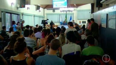 Câmara de Buzios faz reunião para definir situação de instituições de ensino da cidade - Professores, estudantes e pais participaram da reunião.