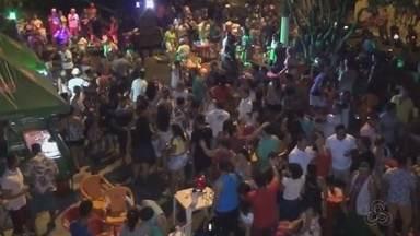 Bandas fazem esquenta para arrecadar fundos para desfile de escolas de samba no AM - Blocos fazem arrecadação em Parintins.