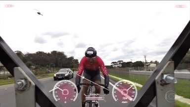 Brasileiro luta pelo título de recordista mundial de velocidade sobre uma bicicleta - Brasileiro luta pelo título de recordista mundial de velocidade sobre uma bicicleta.