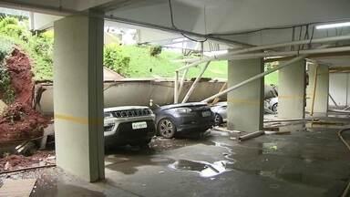 Laje desaba e destrói 25 carros na 210 Norte - Moradores do bloco C da 210 Norte tiveram prejuízo neste domingo (4), uma laje desabou e esmagou 25 carros que estavam estacionados no subsolo.