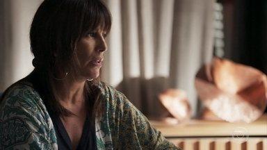 Elizabeth decide visitar Tomaz - Patrick tenta acalmar Clara