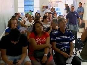 Pacientes do hospital municipal de Passo Fundo, RS reclamam de demora no atendimento - Alguns pacientes disseram que já voltaram prá casa sem conseguir marcar exames