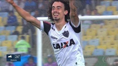 São Paulo fecha contratação do meia Valdívia - Clube anuncia chegada do reforço antes da partida contra o Bragantino, pelo Campeonato Paulista.