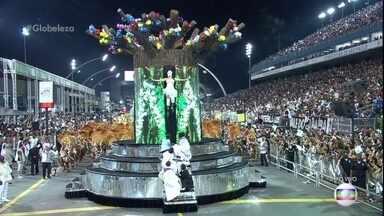 Comissão de frente da Vai-Vai simboliza a fé de Gilberto Gil - Comissão de frente da Vai-Vai simboliza a fé de Gilberto Gil.