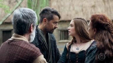 Os pais de Amália não deixam Virgílio entrar - Constância e Martinho decidem não contar a Afonso que Virgílio esteve com Amália