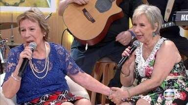 As irmãs Galvão contam curiosidades da infância - Mary e Marilene Galvão mostram cumplicidade desde antes de se tornarem cantoras