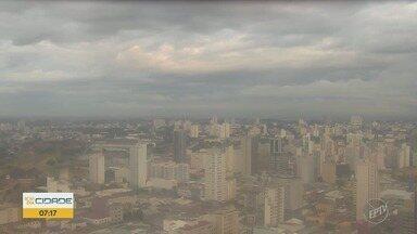 Campinas deve ter mais chuva nesta quinta-feira - Campinas continua com temperaturas mais baixas e probabilidade de chuva.