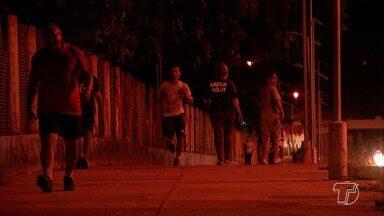 Mais de 30 pontos apresentam problemas com iluminação no Parque da Cidade - Polícia intensificou rondas na área para garantir a segurança de quem caminha e corre no entorno da área.