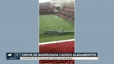 Chuva derruba postes no estádio do Flamengo, na Ilha do Governador - Chuva derruba postes no estádio do Flamengo, na Ilha do Governador