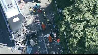 Sete pessoas morrem num acidente em Goiás com ônibus que saiu de Cajazeiras - O acidente aconteceu na BR 020, em Formosa, Goiás.