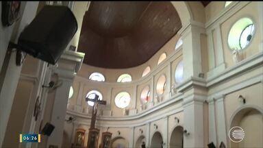 Demora na conclusão da reforma da Igreja São Benedito é motivo de reclamação - Demora na conclusão da reforma da Igreja São Benedito é motivo de reclamação