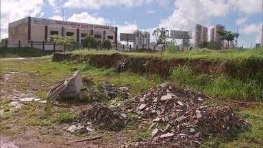 Atraso em entrega de obras em Vicente Pires preocupa moradores - Obras de pavimentação e drenagem pluvial estão atrasadas em Vicente Pires.