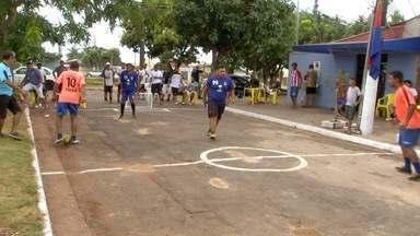 Campeonato de golzinho de rua movimenta bairro de Campo Grande - Competição muito bem organizada: rua demarcada, jogadores uniformizados, trave com rede, tinha até arbitro.